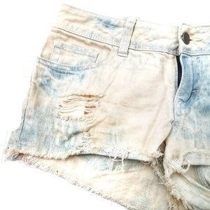 FOREVER 21 Whitewashed frayed Distressed Shorts